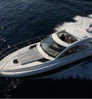 Louer un yacht Beneteau à Saint-Tropez